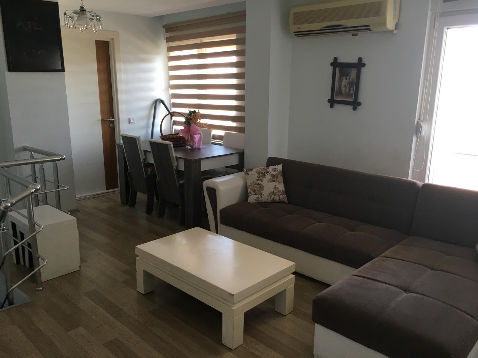 Продается двухуровневая меблированная квартира 1+1 в Хурме (Коньяалты/Анталья)